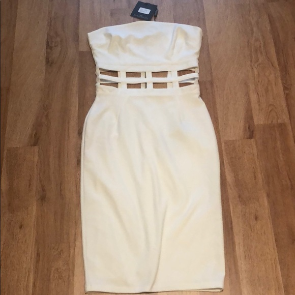 Missguided Dresses & Skirts - White fitted dress